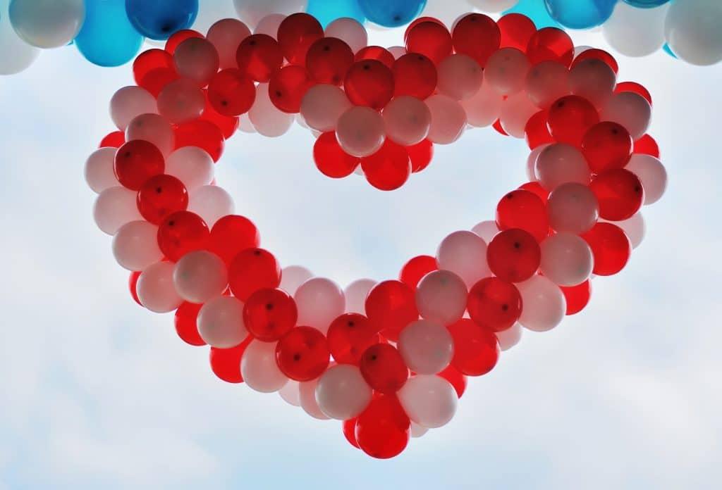 Balloner formet som hjerte